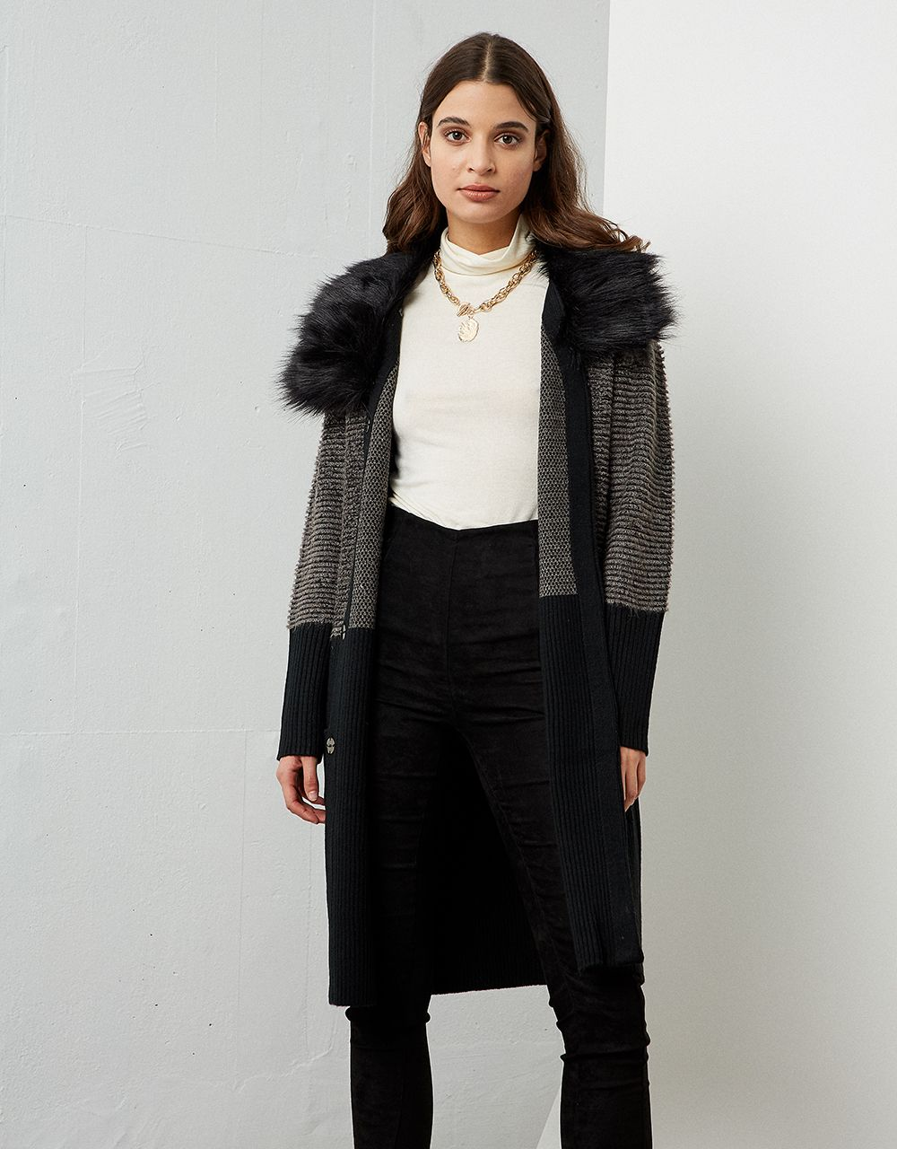 KNITTED CARDIGAN WITH FUR DETAIL