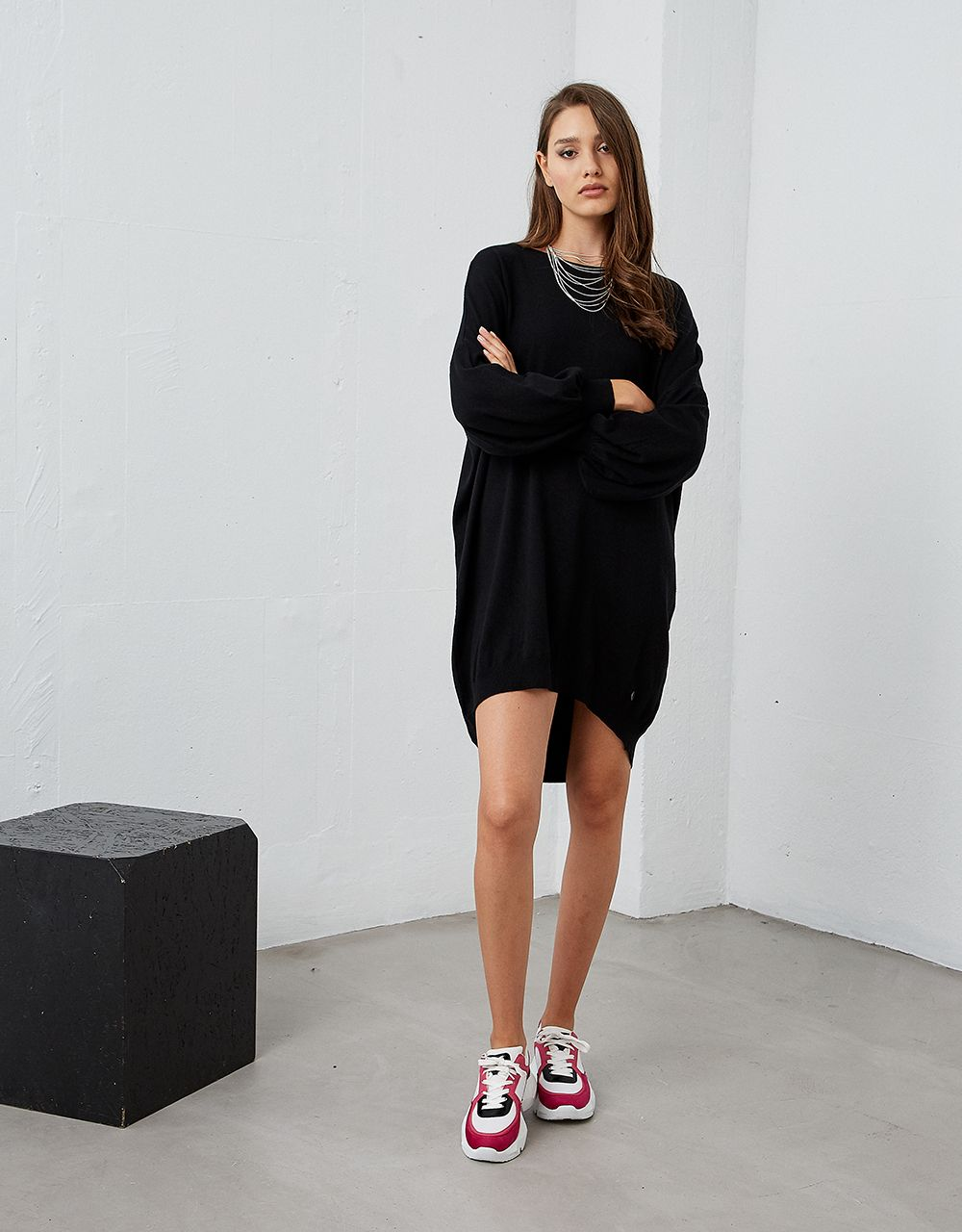 KNIT DRESS WITH PUFF SLEEVES
