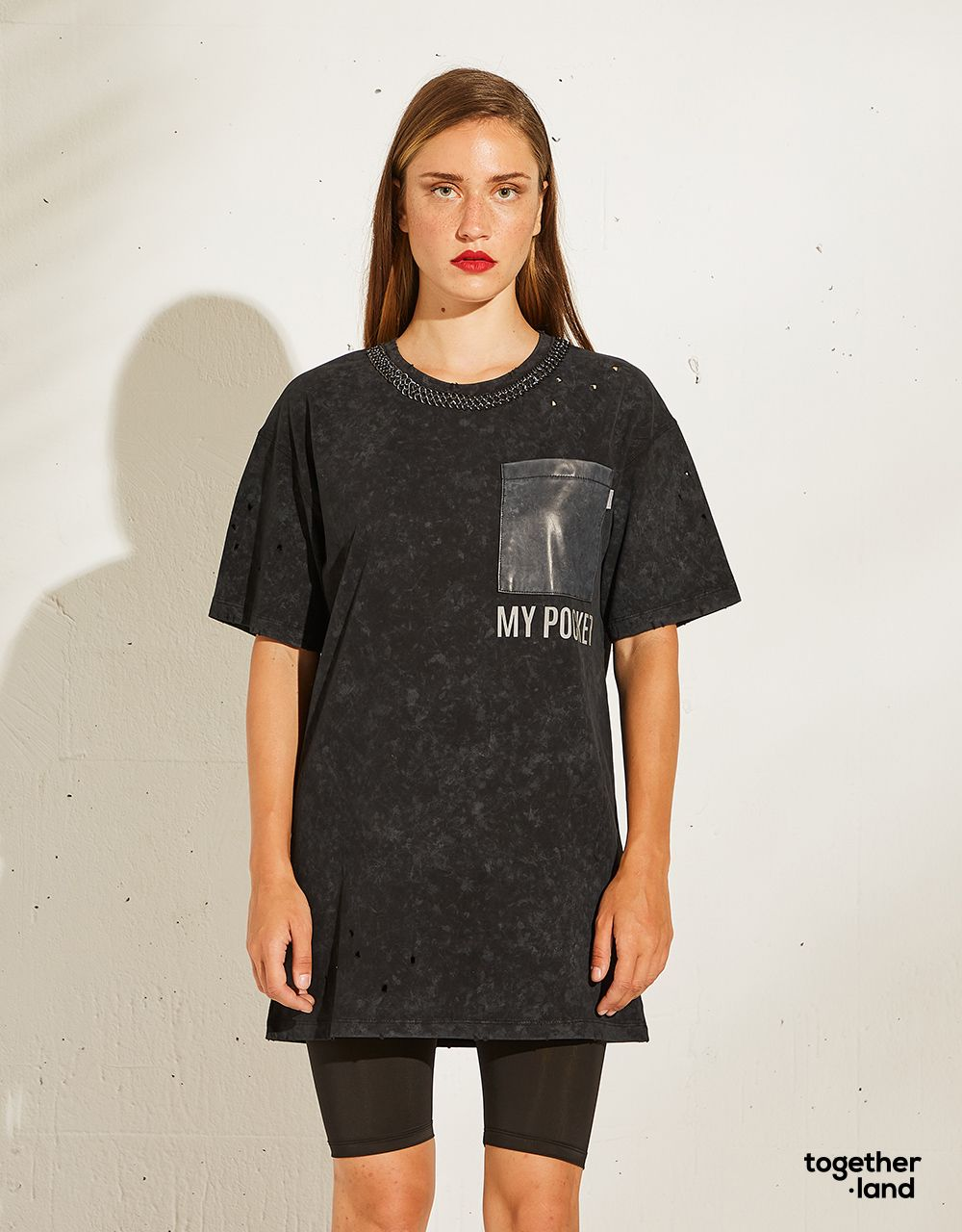OVERSIZED T-SHIRT WITH CHAIN - TOGETHERLAND