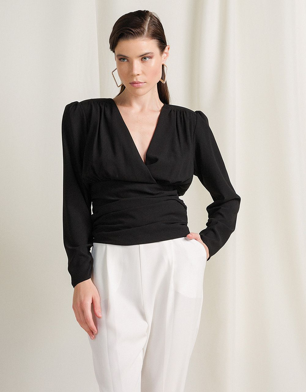 TOP WITH PADDED SHOULDERS