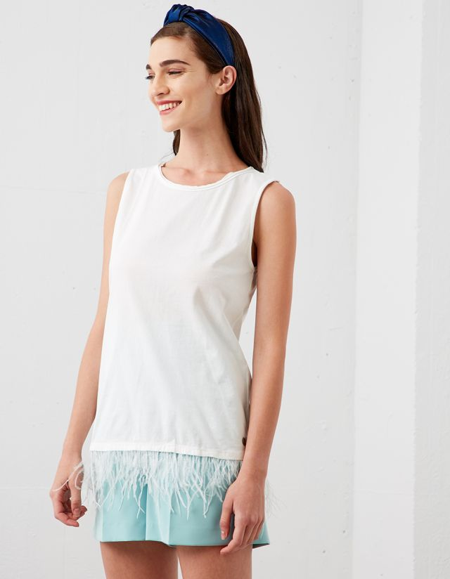 SLEEVELESS BLOUSE WITH FEATHER HEM