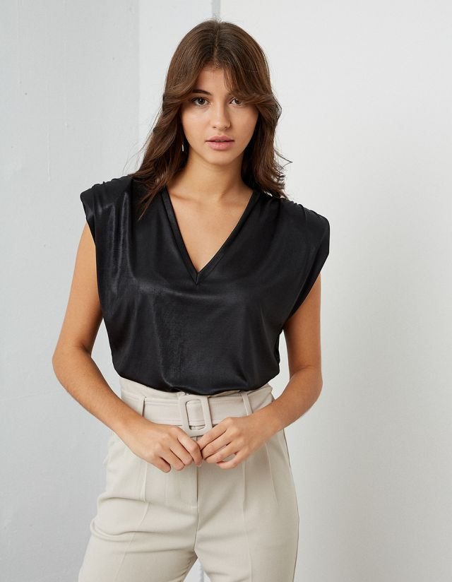 METALLIC TOP WITH PADDED SHOULDERS