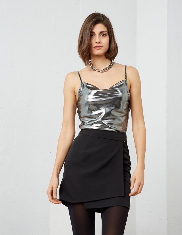 METALLIC DRAPED TOP
