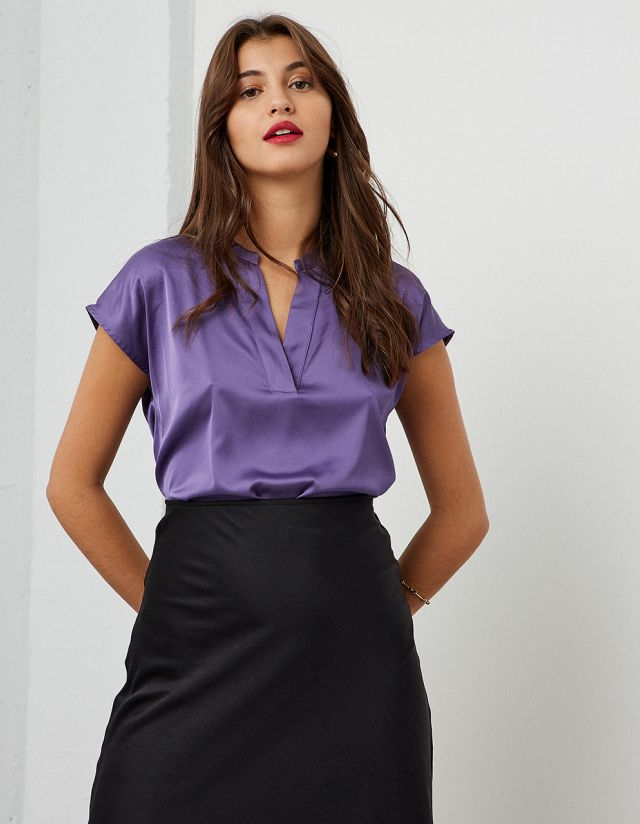 BASIC SATIN TOUCH BLOUSE