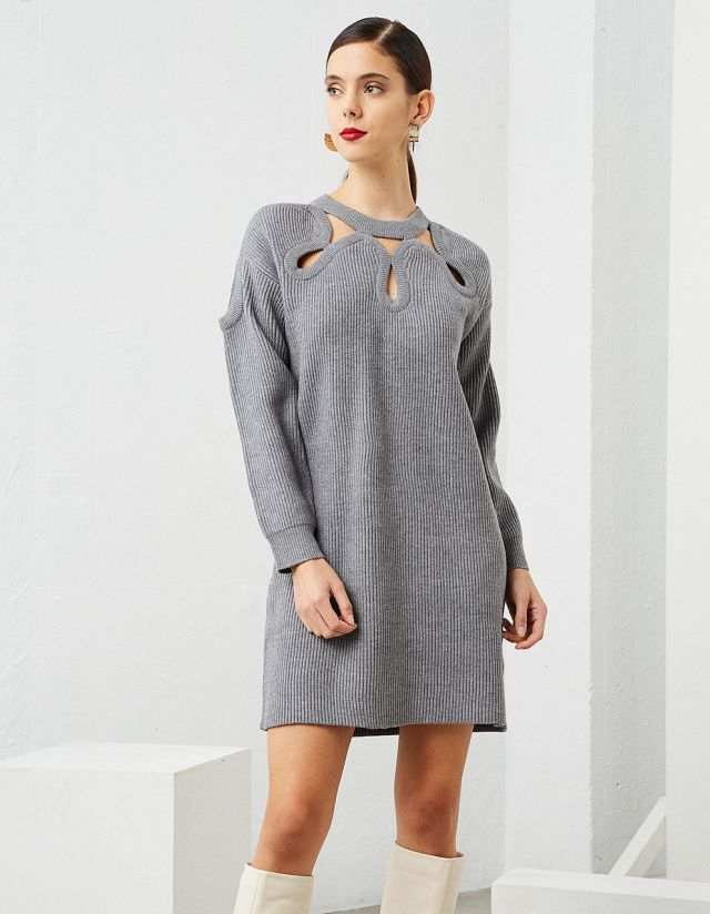 KNIT DRESS WITH CUTOUT PATTERN