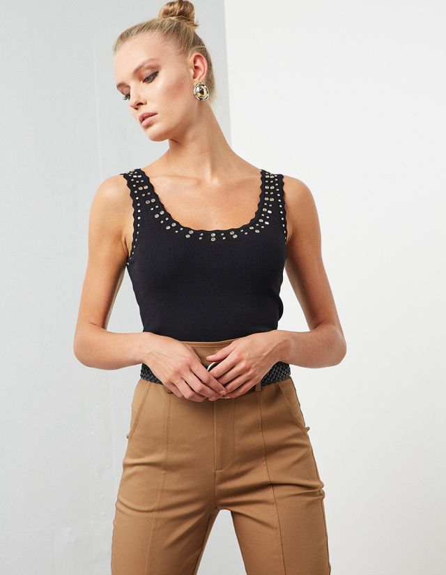RIB TOP WITH MIRROR EMBELLISHED DETAILS