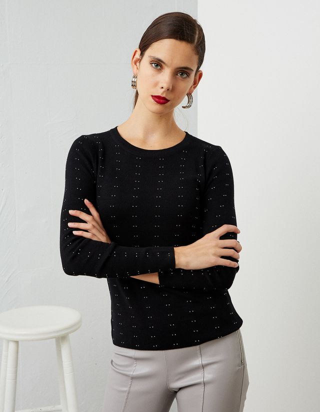KNIT TOP WITH STUDS