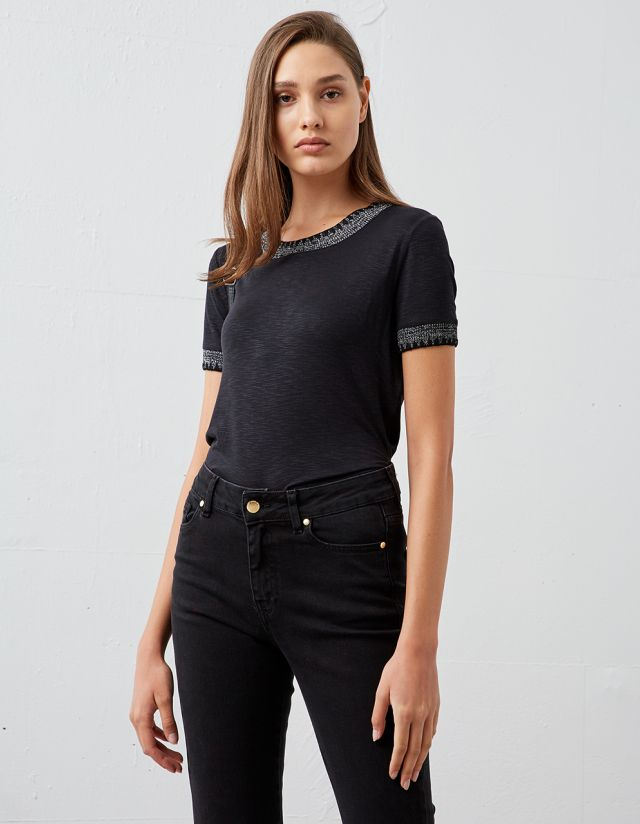 TOP WITH LUREX DETAIL