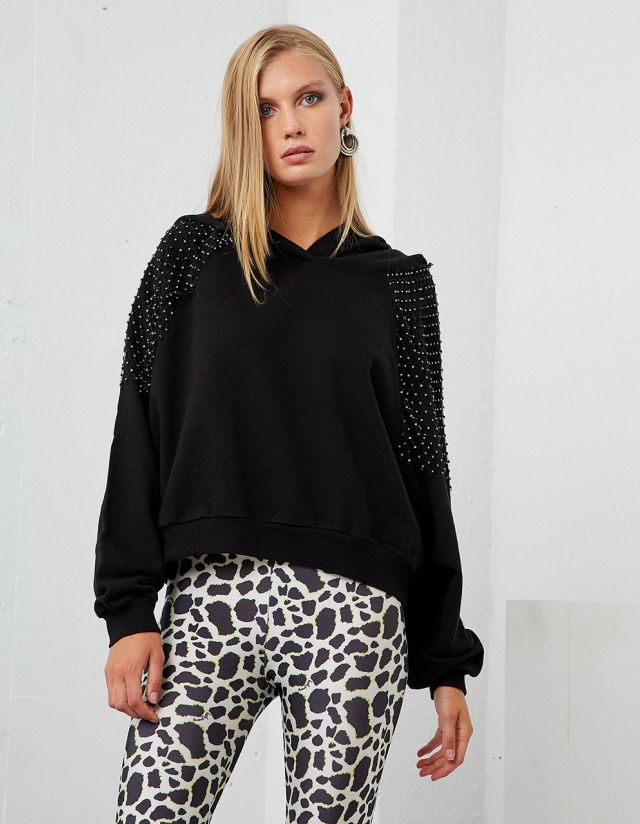 OVERSIZE BLOUSE WITH BEJEWELED NET