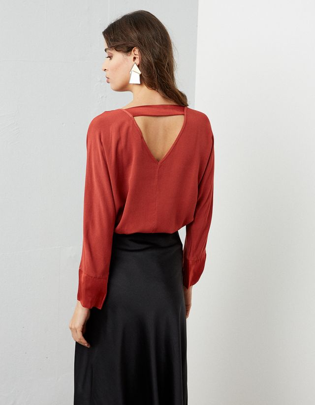 OVERSIZE BLOUSE WITH OPEN BACK