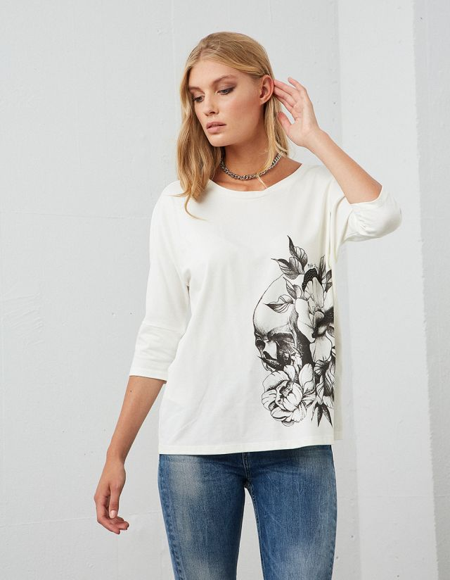 T-SHIRT WITH LEAF PRINT