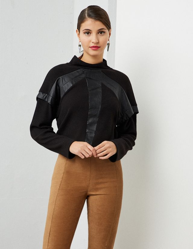 KNIT BLOUSE WITH LEATHER EFFECT DETAIL