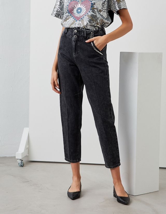 VICKIE JEANS WITH STUDS