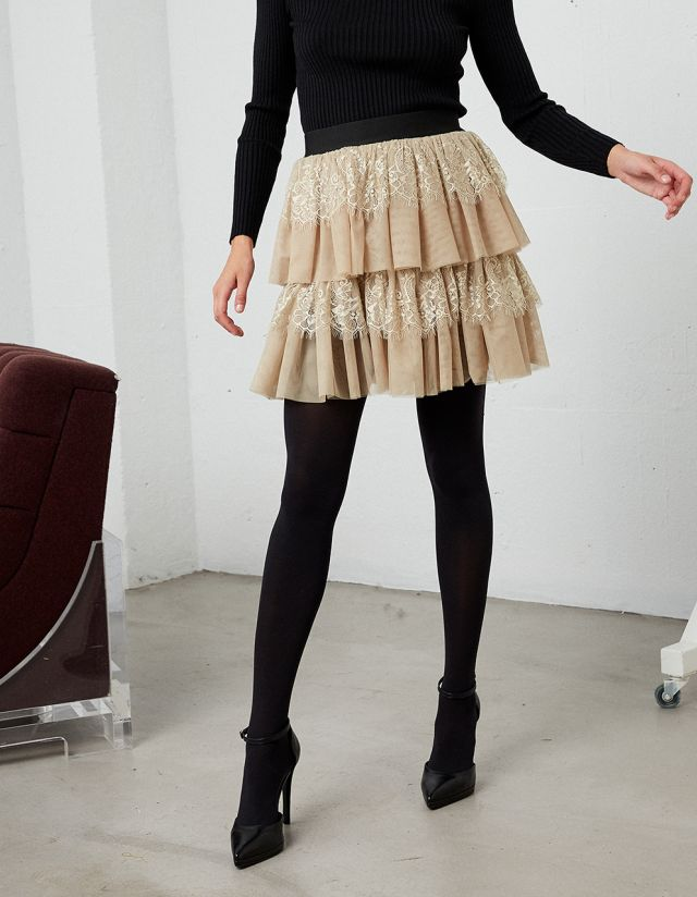 SKIRT WITH RUFFLES AND LACE