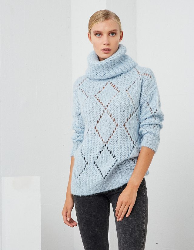 OVERSIZE TURTLENECK SWEATER