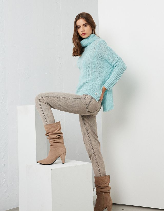 KNIT SWEATER WITH TURTLENECK