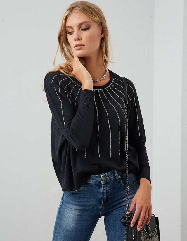 SWEATER WITH METALLIC CHAINS