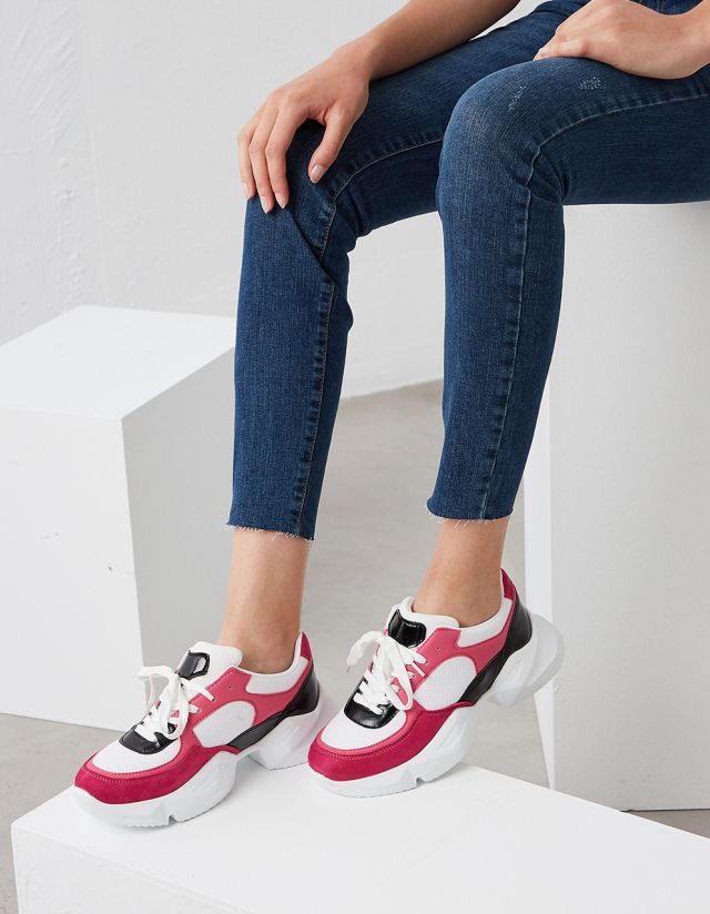 CONTRAST TRAINERS