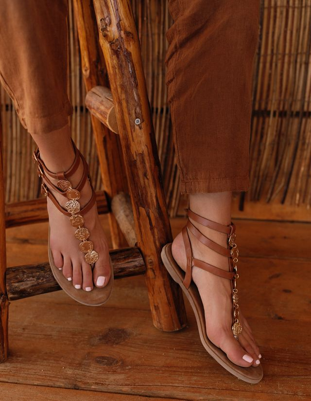 FLAT SANDALS WITH COINS