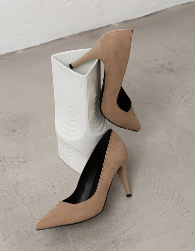 SUEDE MID HEEL SHOES