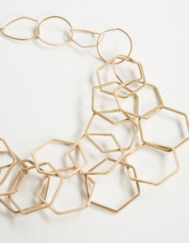 NECKLACE WITH LINKED HOOPS