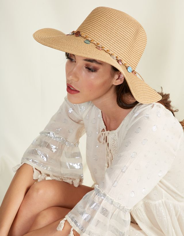 STRAW HAT WITH BEADS
