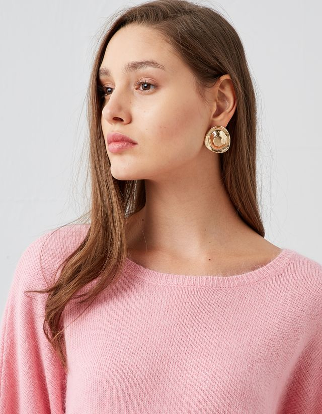 ROUND EMBOSSED EARRINGS