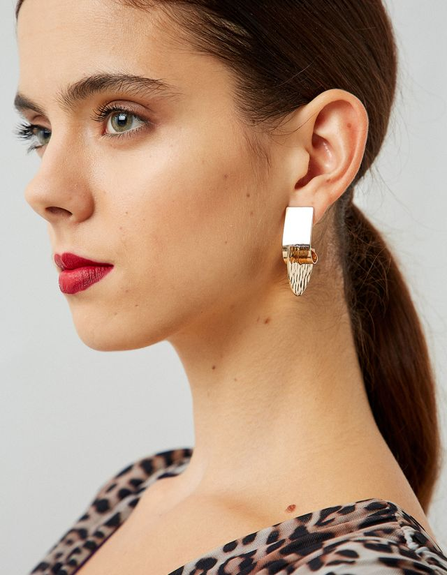FAN SHAPED EARRINGS