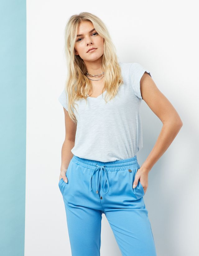 BASIC T-SHIRT WITH SHORT SLEEVES