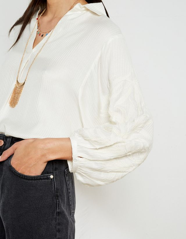 OVERSIZED BLOUSE WITH COLLAR