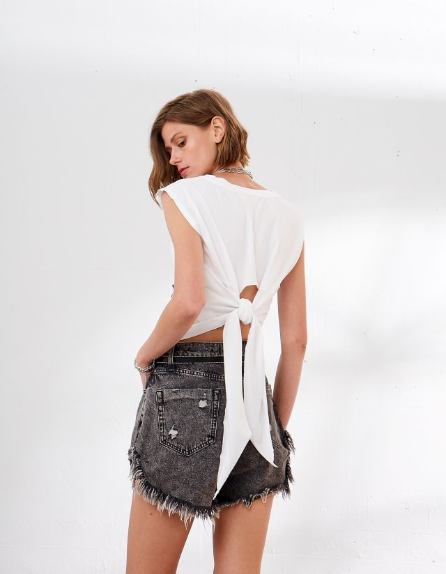 BLOUSE WITH CUT OUT ON THE BACK