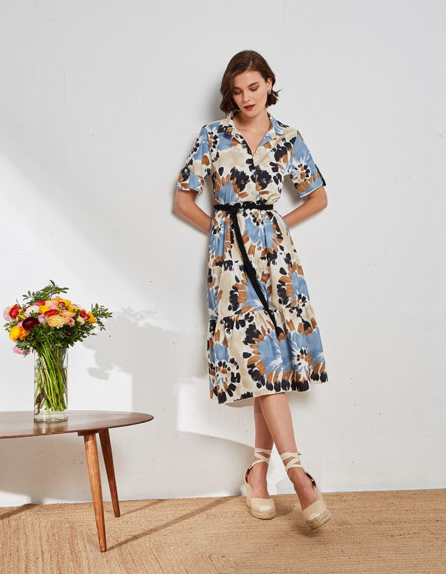 DRESS IN ABSTRACT PRINT