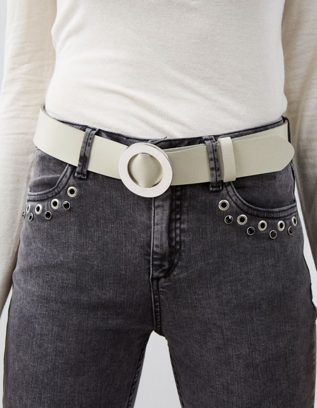 LEATHER BELT WITH CIRCLE BUCKLE
