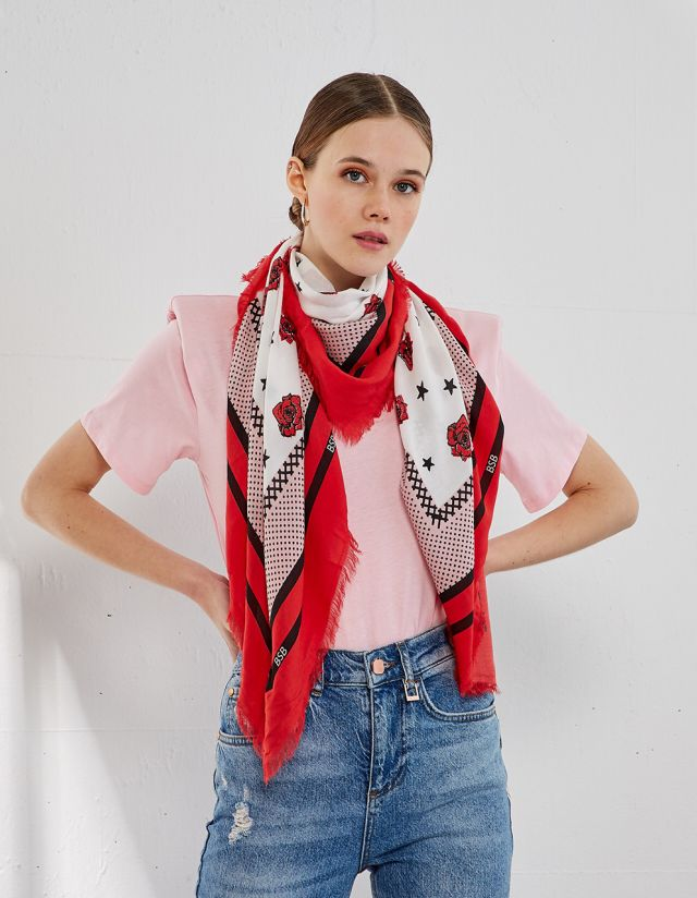 SCARF WITH ROSES