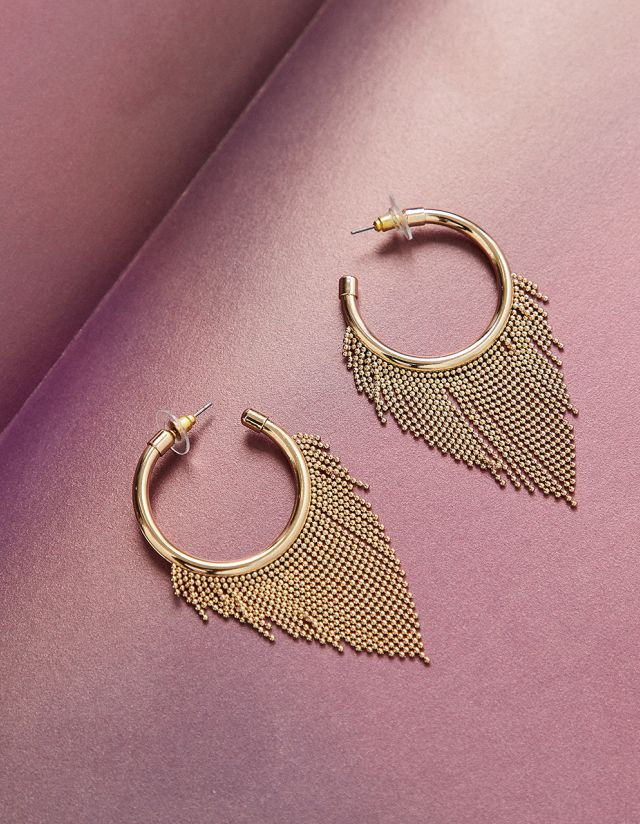 HOOPS WITH METALLIC FRINGES