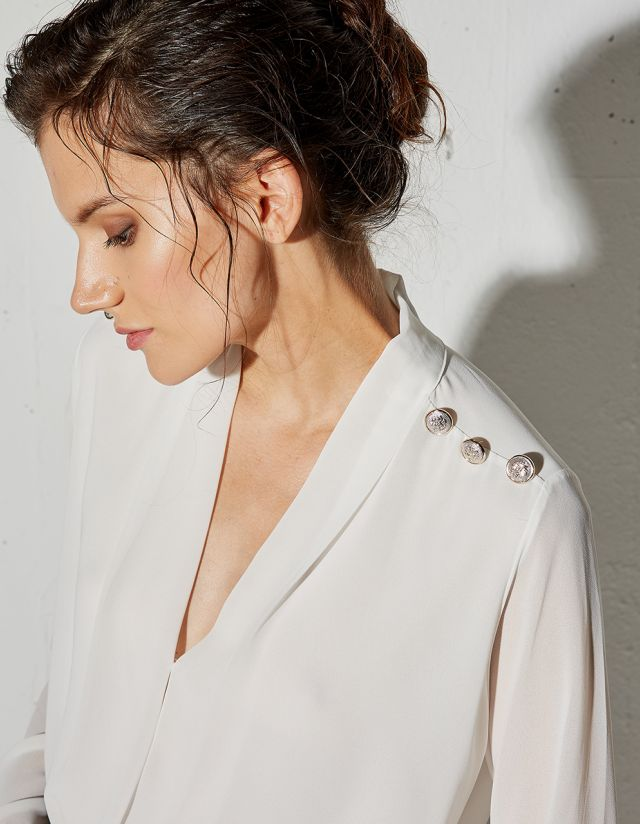 BLOUSE WITH DECORATIVE BUTTONS