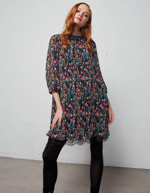 PLEATED DRESS WITH FLORAL PRINT