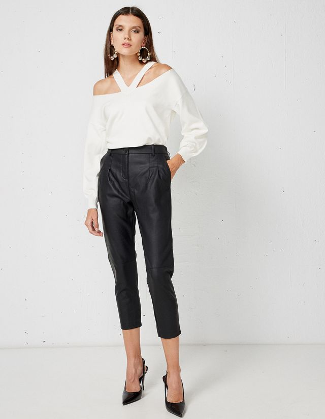 TROUSERS WITH LEATHER EFFECT