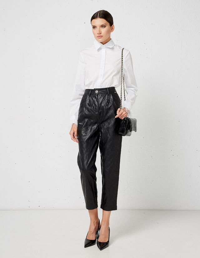 LEATHER EFFECT TROUSERS WTH STITCHES