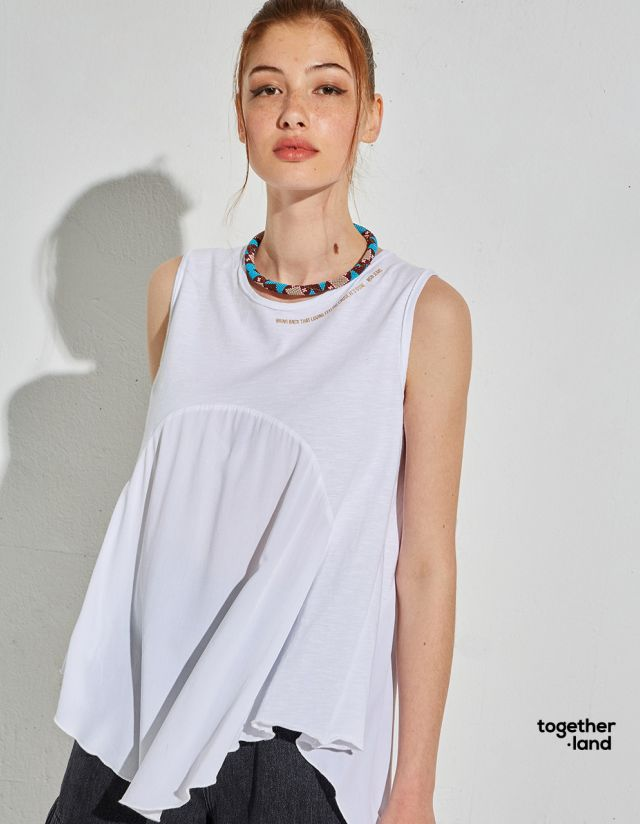TOP WITH PRINT ON THE NECK - TOGETHERLAND