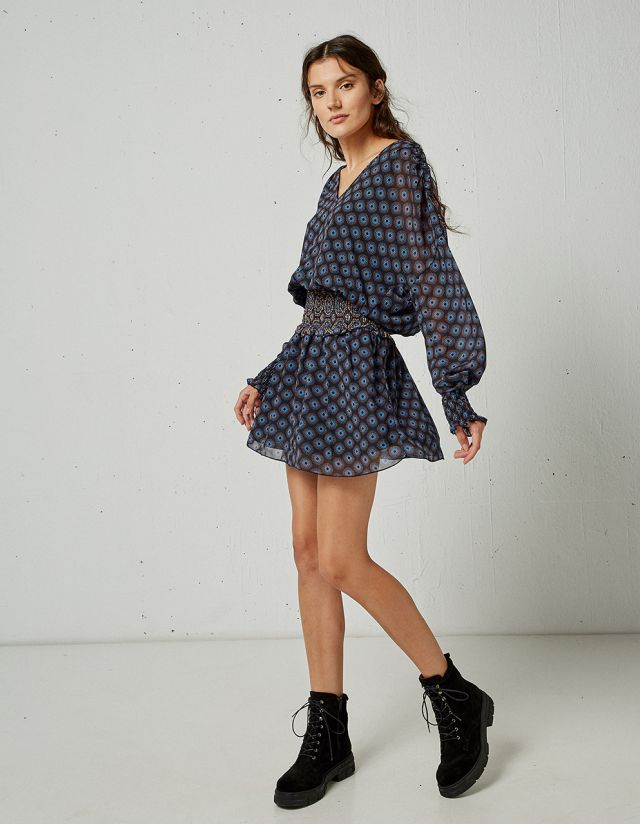 PRINTED DRESS WITH SHIRRED FABRIC