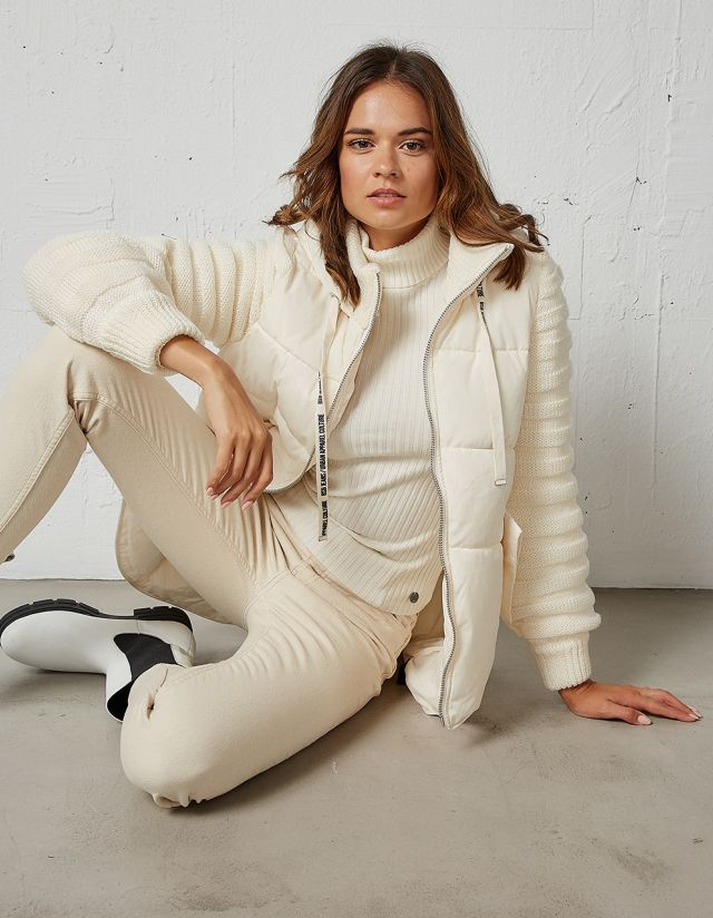 JACKET WITH KNIT SLEEVES