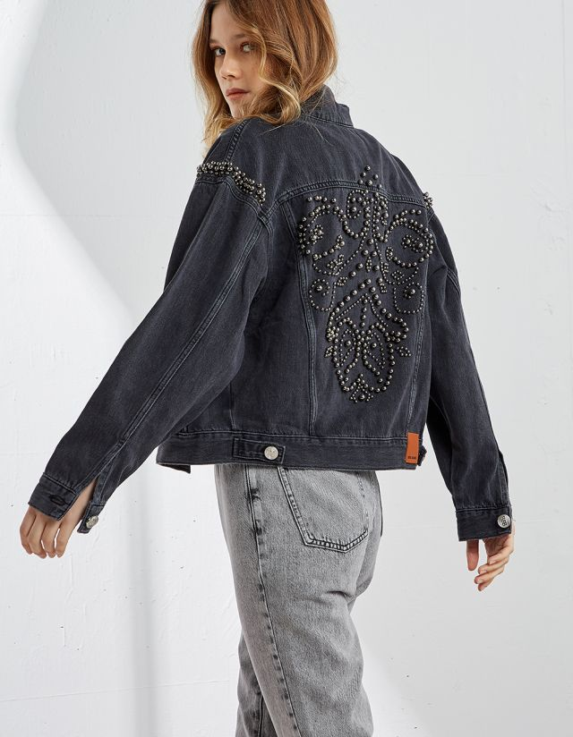 JEAN JACKET WITH BEADS