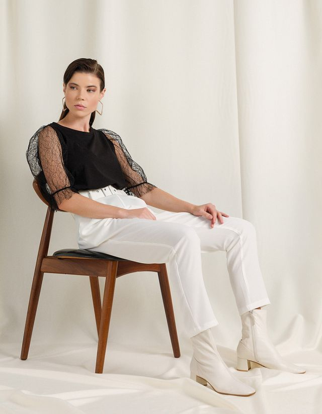 BLOUSE WITH LACE SLEEVES