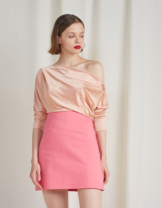 ASYMMETRIC SATIN TOP