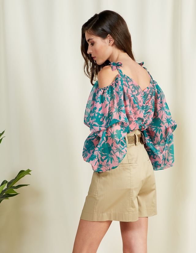 PRINTED TOP WITH PUFFY SLEEVES