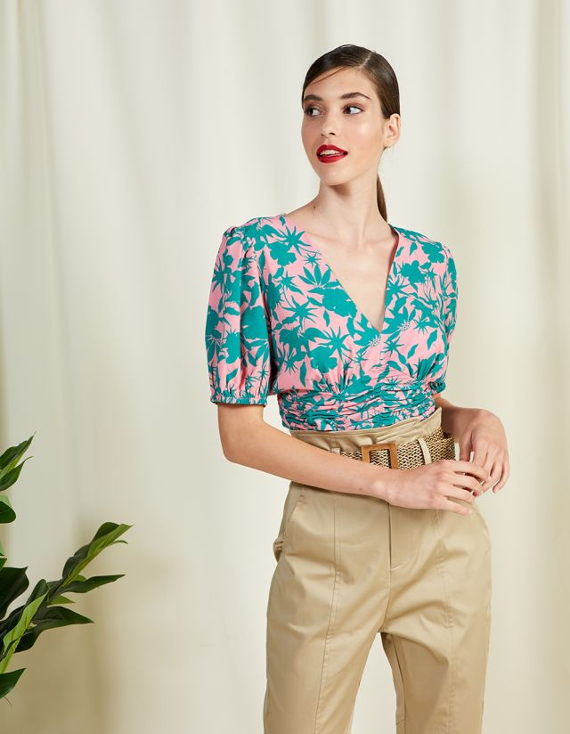 FLORAL TOP WITH VOLUME SLEEVES