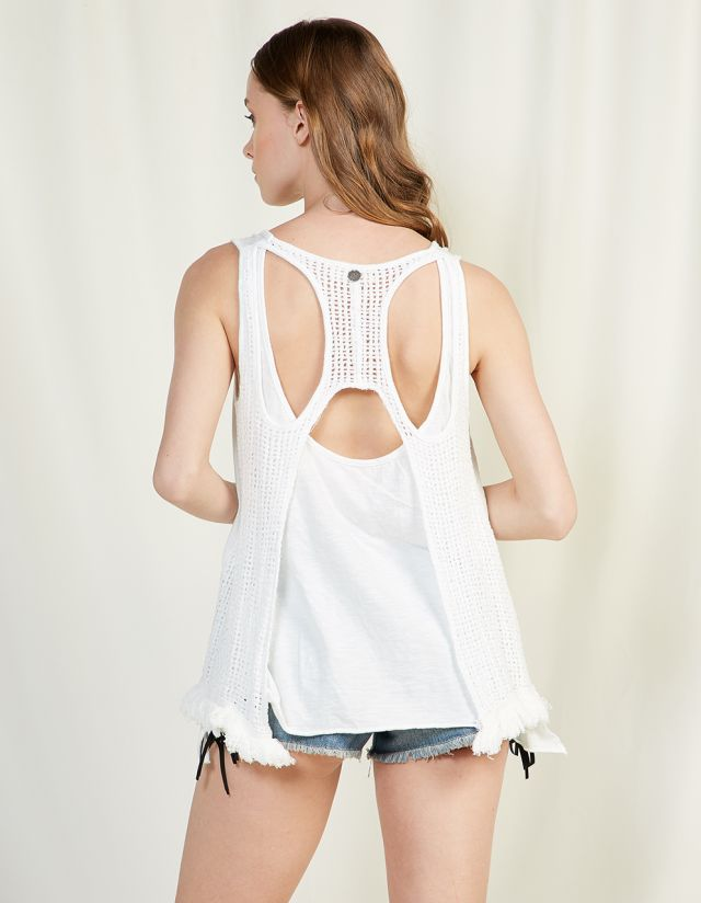 SLEEVELESS TOP WITH BACK PATTERN