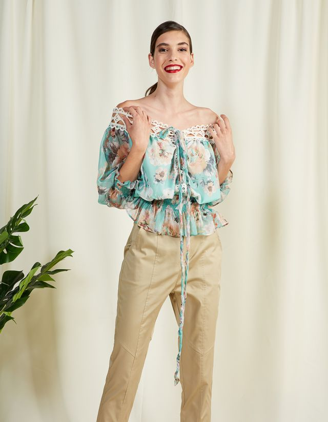OFF THE SHOULDER FLORAL TOP WITH EMBROIDERY
