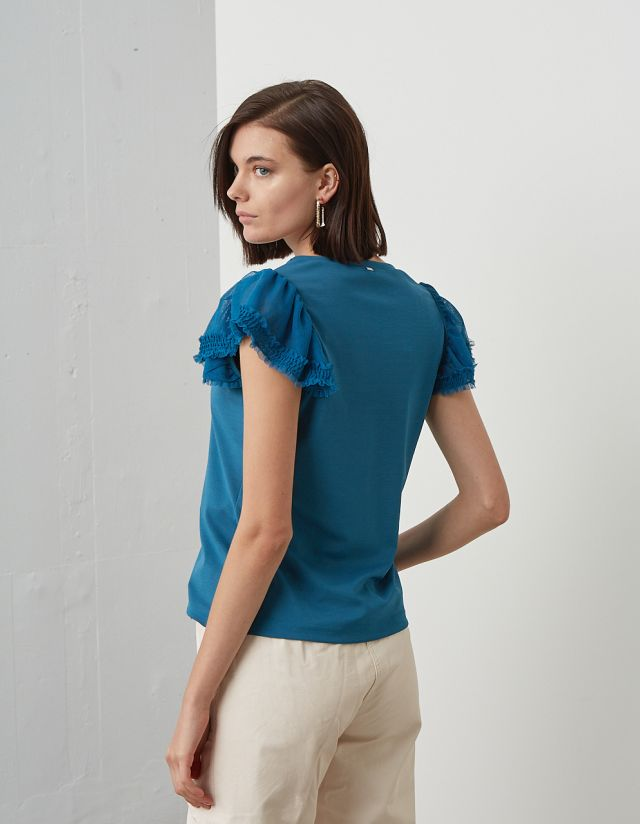 TOP WITH TULLE SLEEVES